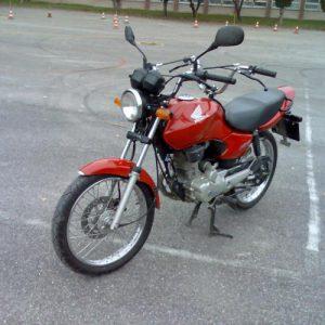 Výcvikový motocykel Honda 125 CG